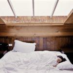 Douleurs articulaires et positions pour dormir